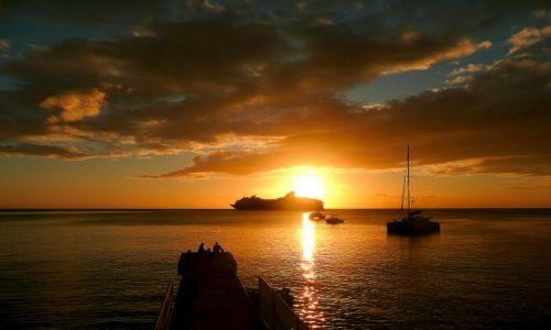 Zdjecie DOMINIKA / French West Indies / Rosoau / Zachód słońca przy Rosoau