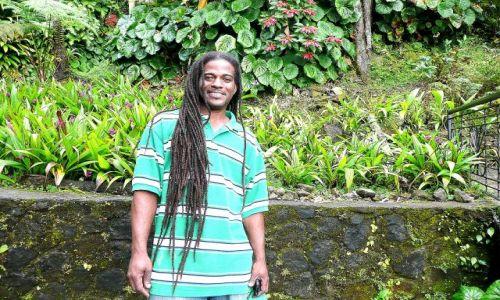 Zdjęcie DOMINIKA / Rosoau / city / Rastafarianin