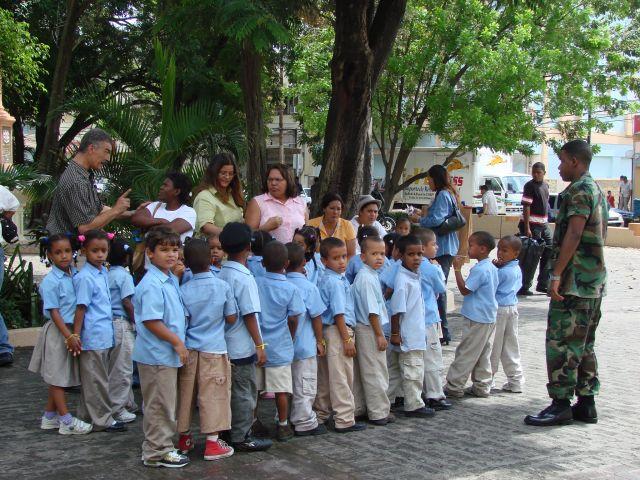 Zdjęcia: Santo Domingo, pilnujemy dzieci, DOMINIKANA