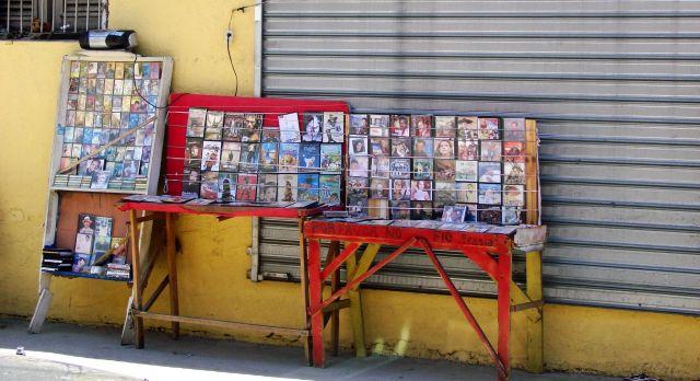 Zdjęcia: Santiago, uliczny sklep muzyczny, DOMINIKANA