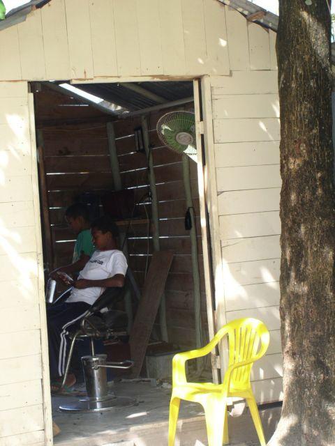 Zdjęcia: CABARETE, u fryzjera, DOMINIKANA