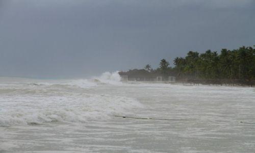 Zdjęcie DOMINIKANA / wybrzeże południowe / Punta Cana / Huragan Isaac nadchodzi