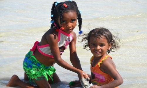 Zdjęcie DOMINIKANA / Santo Domingo / Boca Chica / Niños