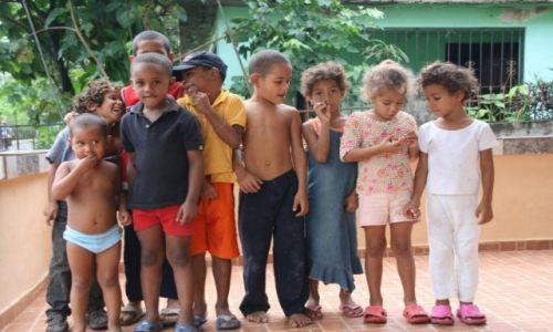 Zdjęcie DOMINIKANA / - / Nagua / Mali mieszkancy Nagua 1