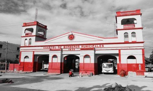 Zdjęcie DOMINIKANA / Puerto Plata / Puerto Plata / old fire station