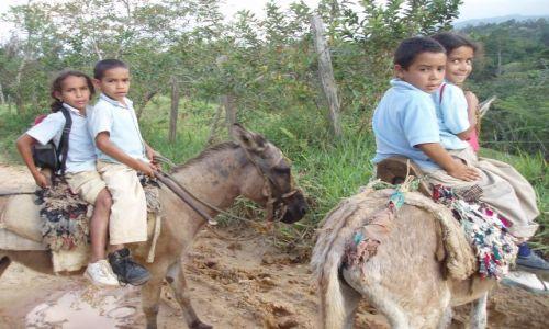 Zdjecie DOMINIKANA / cordiliera central / mania / dominikanskie dzieci
