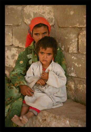 Zdjęcia: pustynia, kolo hurghady, dzieci pustyni patrza inaczej, EGIPT