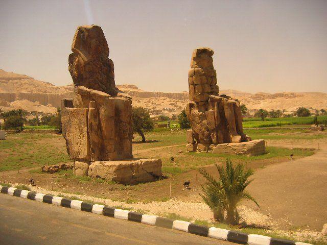 Zdjęcia: Luksor, Kolosy Memnona, EGIPT