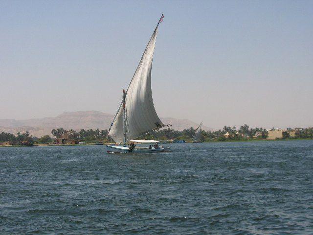 Zdj�cia: Nil w okolicy Luksoru, Rejs Nilem, EGIPT