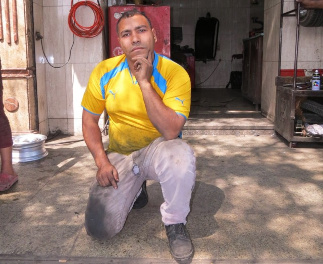 Zdjęcia: Kair, Egipt, wulkanizacja bos, EGIPT