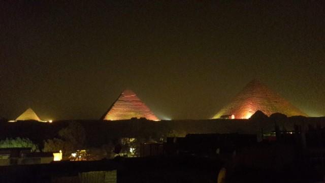 Zdjęcia: Kair, Afryka, piramidy nocą, EGIPT