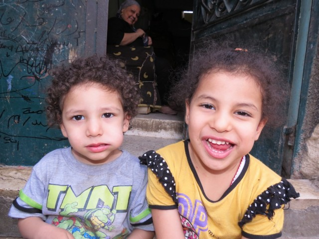 Zdjęcia: Kair, Afryka, m umarłych dzieci2, EGIPT