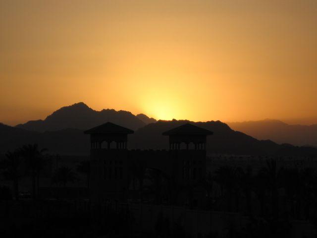 Zdj�cia: old Sharm, P�wysep Synaj, zach�d s�o�ca, EGIPT
