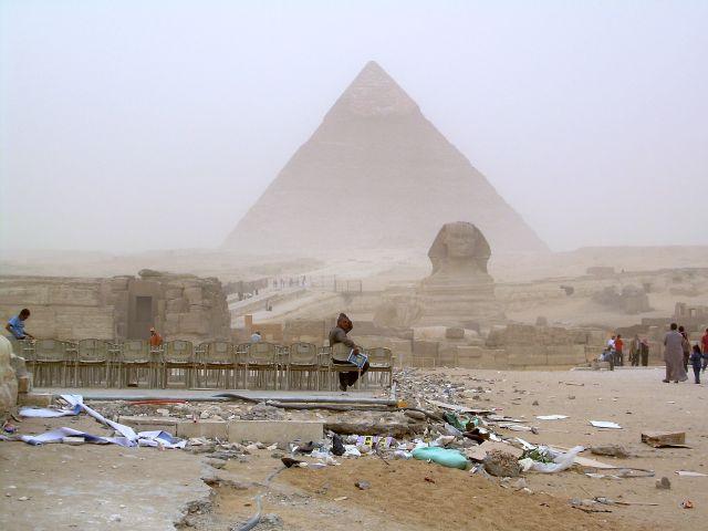 Zdjęcia: Giza - w czasie burzy piaskowej, Kair, Prawdziwe oblicze Egiptu, EGIPT