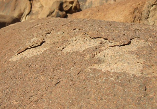 Zdjęcia: Klasztor Św. Katarzyny, Półwysep Synaj, Łuszcząca się skała, EGIPT