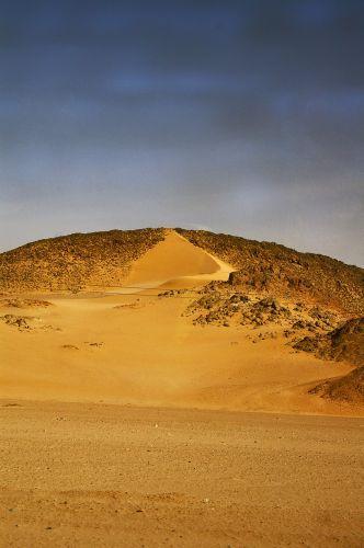 Zdjęcia: W drodze do Luxoru, Pustynna wydma, EGIPT