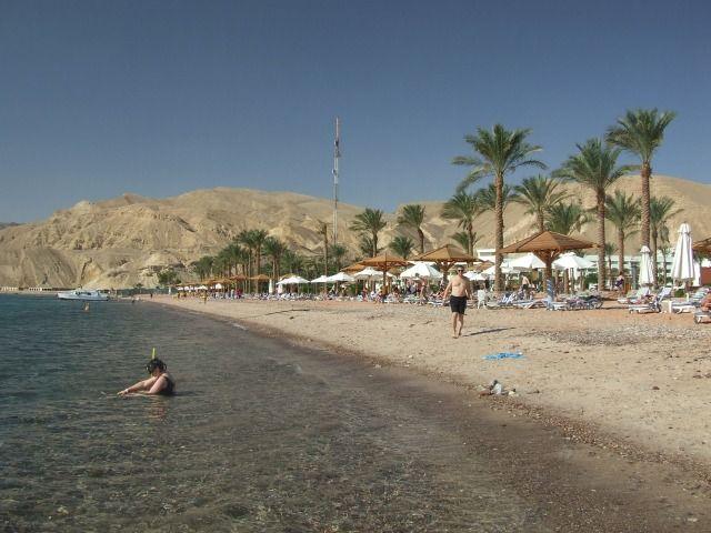 Zdjęcia: Taba, Płw. Synaj, Relaksik na plaży, EGIPT