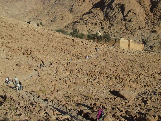 Zdjęcia: Zejście z Góry Mojżesza, Płw. Synaj, W drodze do Klasztoru Św. Katarzyny, EGIPT