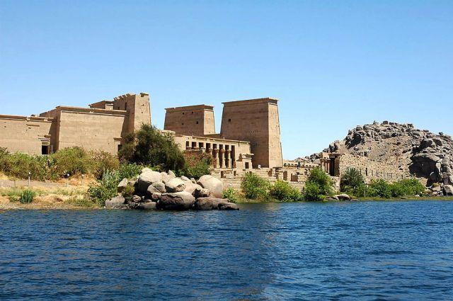 Zdj�cia: wyspa File, Asuan, �wiatynia na wyspie File na Nilu, EGIPT