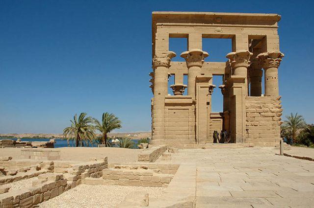 Zdjęcia: wyspa File, Asuan, fragment swiątyni kultu  Izydy, EGIPT