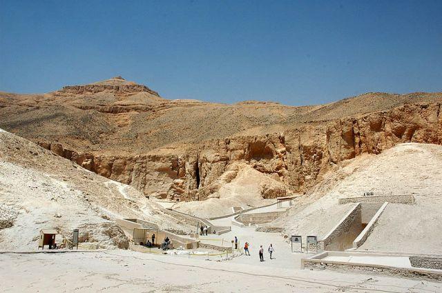 Zdjęcia: Luksor, Górny Egipt, Dolina Królów- wejścia do grobowców faraonów-po prostu pustynia, EGIPT