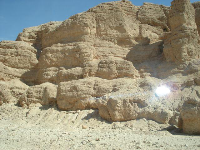 Zdj�cia: w drodze do Luxoru, hurgada, ska�y, EGIPT