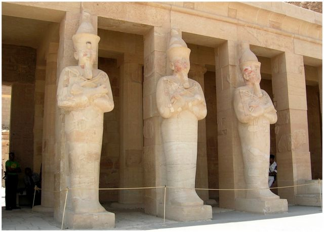 Zdjęcia: Deir el Bahari, Egipt - część wschodnia, Świątynia Hatszepsut - posągowo, EGIPT
