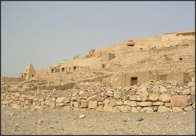 Zdjęcia: Deir el Medina, Egipt - część wschodnia, Miasto rzemieślników, EGIPT