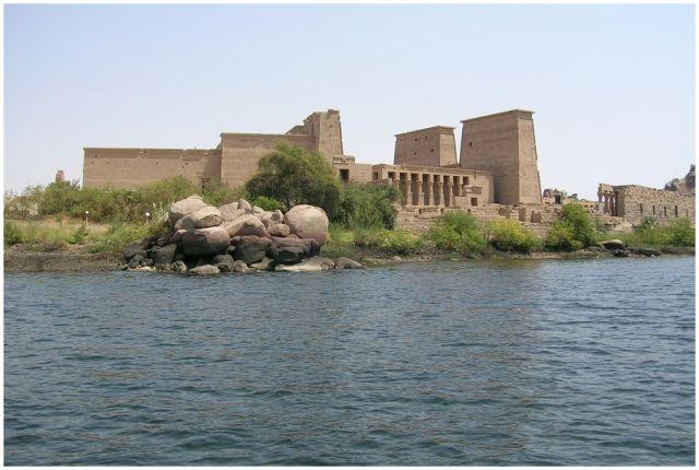 Zdjęcia: Asuan , Egipt południowy, Świątynia Izydy z w-py File, EGIPT