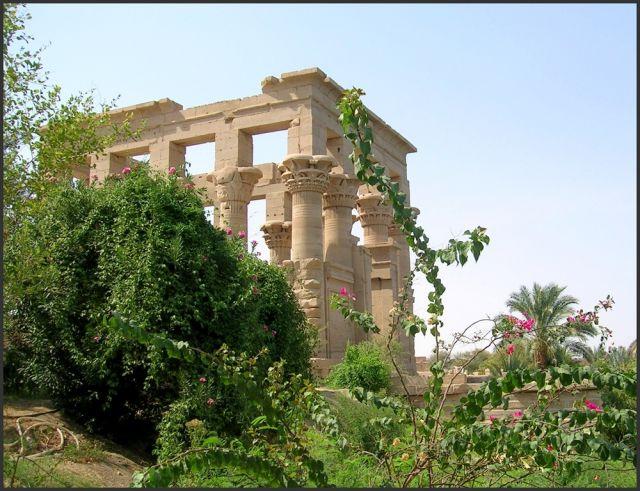 Zdjęcia: Asuan , Egipt południowy, Świątynia Izydy - kiosk Trajana, EGIPT