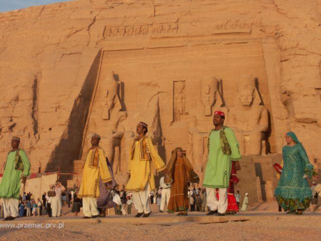 Zdjęcia: Abu Simbel, Taniec nubijski, EGIPT