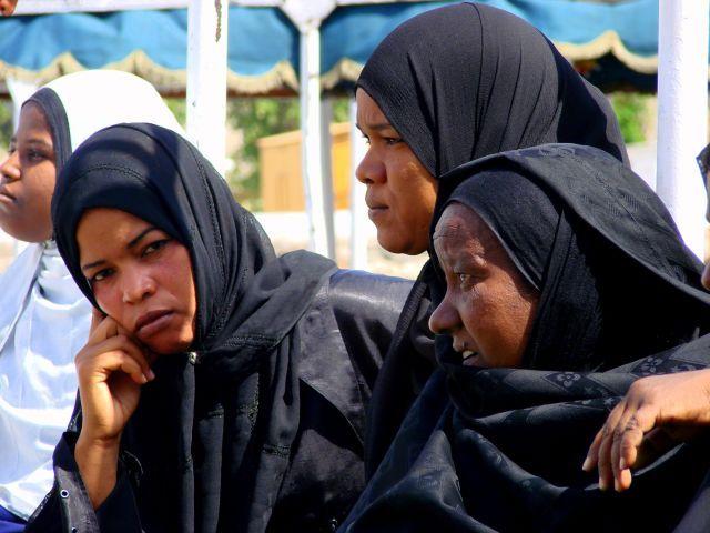 Zdjęcia: Asułan, Asułan, Czekając  na  statek  do Sudanu, EGIPT