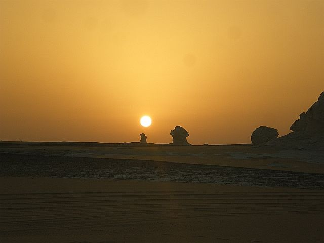 Zdjęcia: Pustynia Biała Wschodnia, Wschód słońca, EGIPT