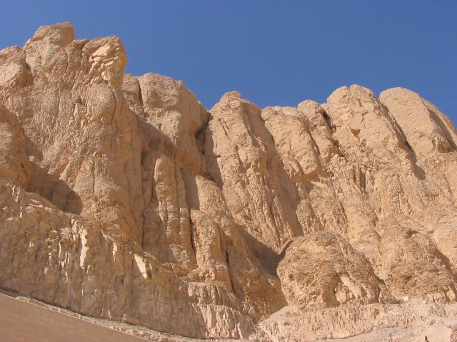 Zdjęcia: Luksor, Górny Egipt, luksorskie skały, EGIPT