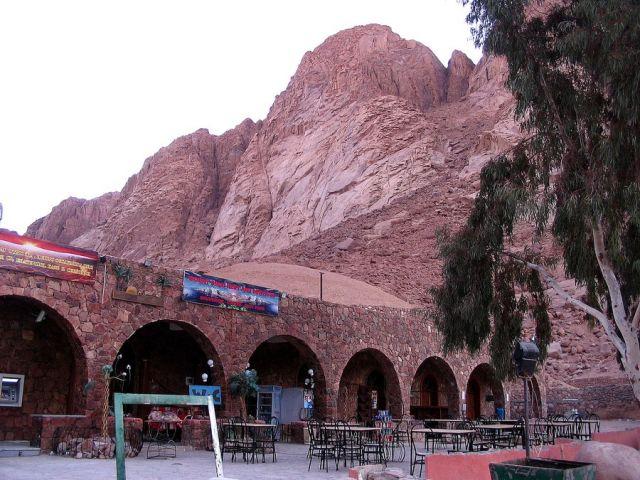 Zdjęcia: Półwysep Synaj, Półwysep Synaj, Komercja pod Górą Mojżesza..., EGIPT