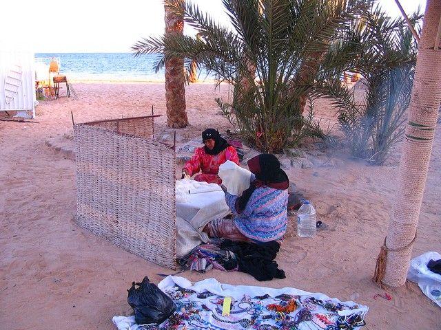 Zdjęcia:  Nuwejba, Półwysep Synaj, sklepik z biżuterią i piekarnia..., EGIPT