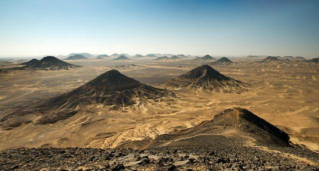 Zdjęcia: okolice oazy Bahariya, Czarna Pustynia, EGIPT