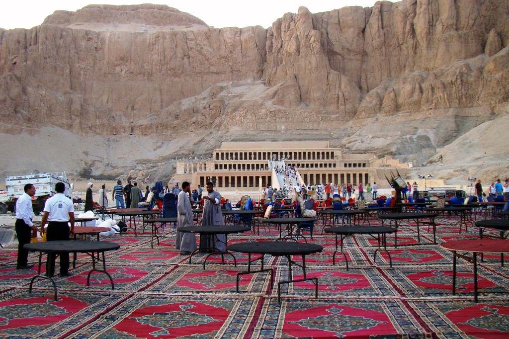Zdjęcia: Świątynia Hatszepsut, Koktajl party w stylu egipskim, EGIPT