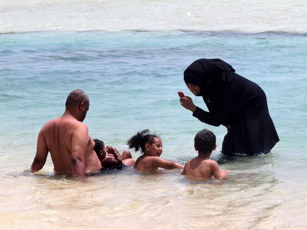 Zdjęcia: Marsa Alam, Morze Czerwone, Rodzinna kąpiel, EGIPT