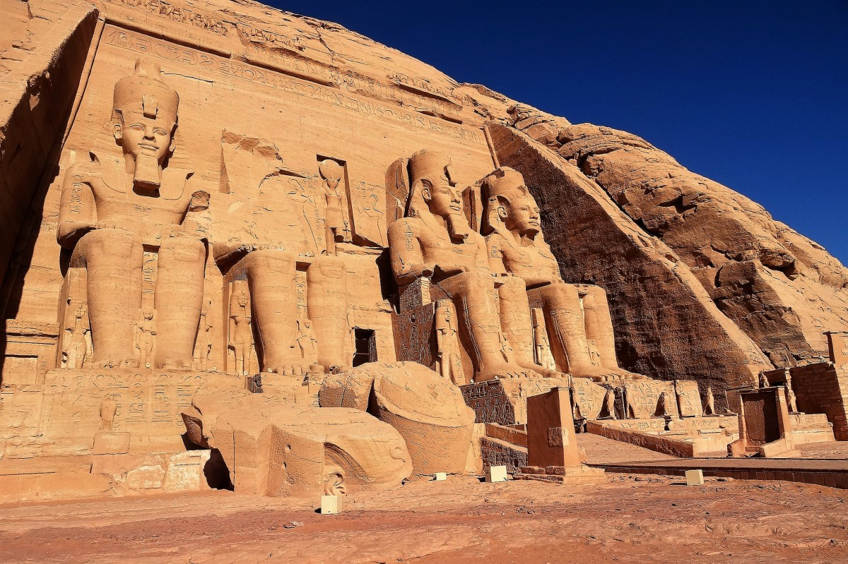 Zdjęcia: Abu Simbel, Asuan, Uratowana przed zalaniem Świątynia Ramzesa II , EGIPT