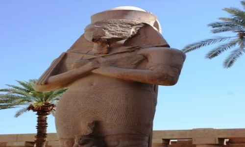 EGIPT / - / W Karnaku / Egipt – Nilem pod prąd