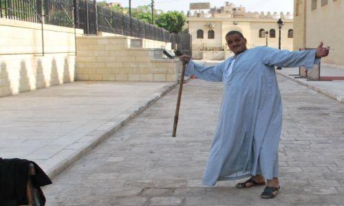 EGIPT / Afryka / Kair / Pozowanie Araba z Kairu