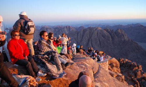 Zdjecie EGIPT / Synaj / Góra Mojżesza / W oczekiwaniu na wschód słońca
