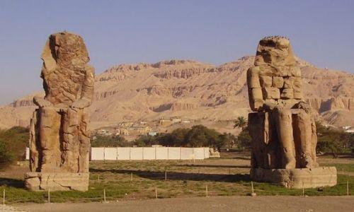 Zdjecie EGIPT / - / Luxor / Kolosy Memnona