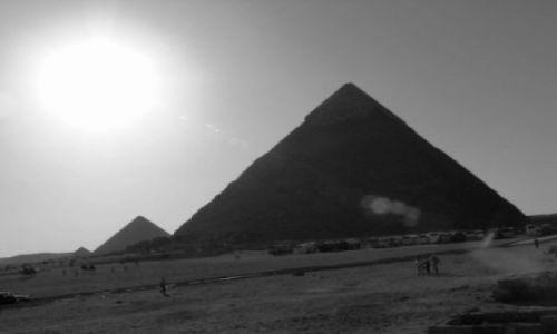 EGIPT / brak / Giza / Piramidy
