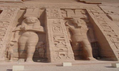 Zdjęcie EGIPT / Pd. Egipt  - na granicy z Sudanem. / Abu Simbel / Świątynia Nefretari