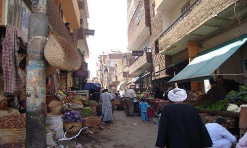 Zdjęcie EGIPT / Środkowy Egipt / Luksor / Ulica w Luksorze