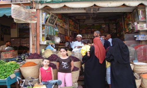EGIPT / Środkowy Egipt / Luksor / Ulica w Luksorze