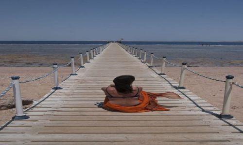 Zdjecie EGIPT / Sharm / ... / siedzę i myślę...