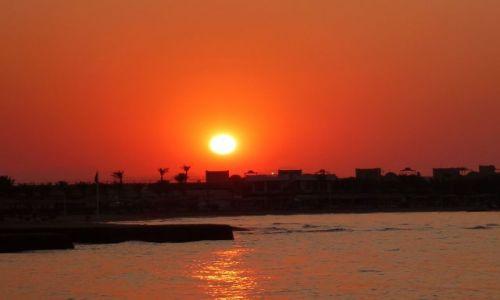 Zdjęcie EGIPT / - / Na plaży / Zachód śłońca